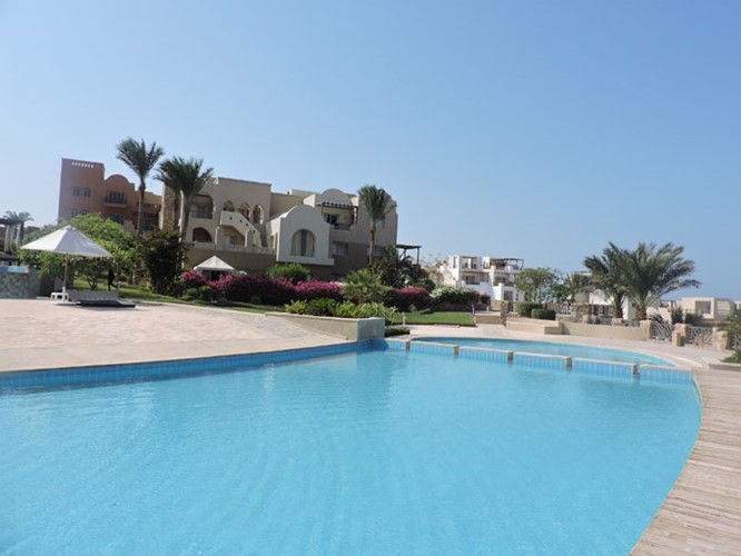 2 BR Apartment with Garden & Sea view - 5