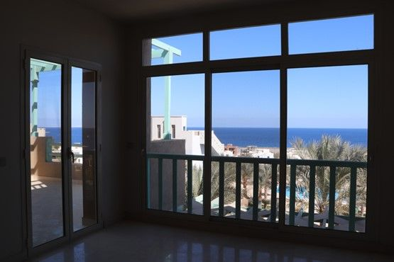 1 BR Penthouse with Pool & Sea view