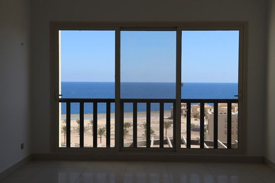 1 BR Penthouse with Terrace & Sea view