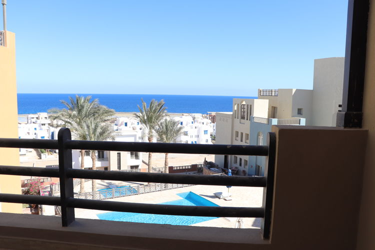 2 Bedroom Penthouse with Pool & Sea view