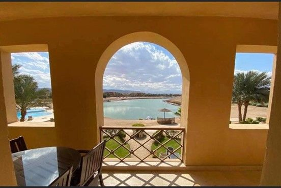 2BR Apartment with Lagoon view-West Golf